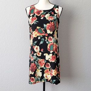 Love Culture floral shift dress w/ keyhole back